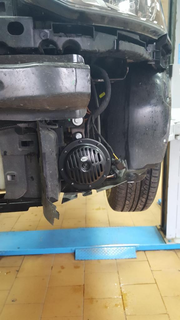 Замена клаксона в VW Polo седан