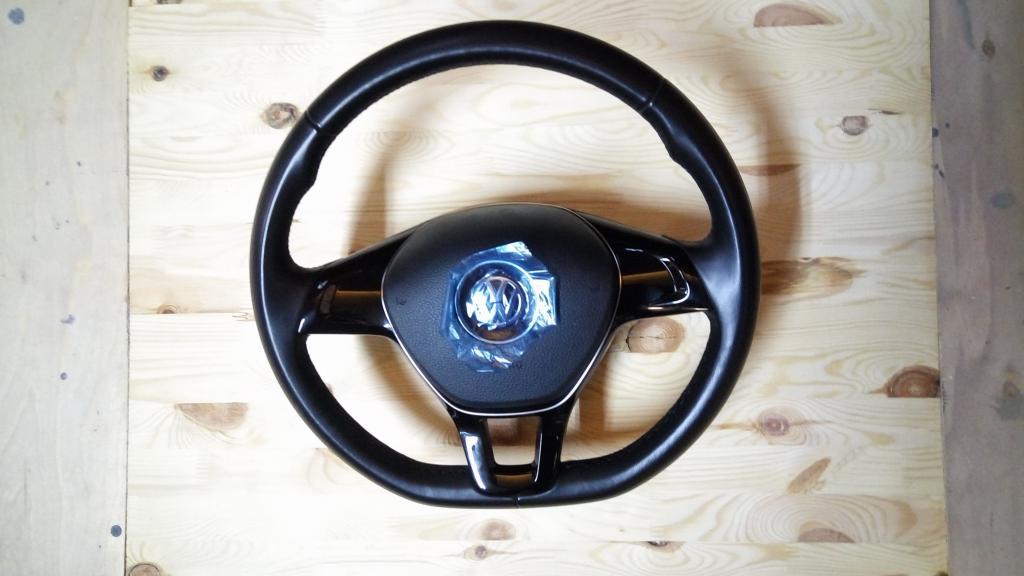 Продам новый кожанный руль VW POLO рестайл