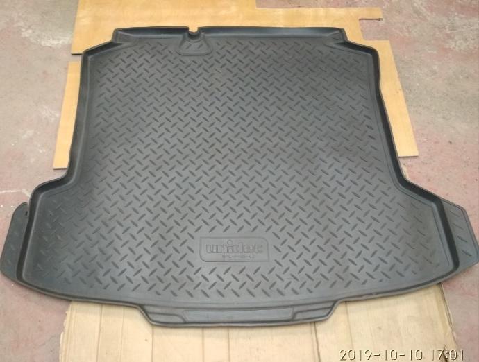 Продам коврик багажника NORPLASTUNIDEC