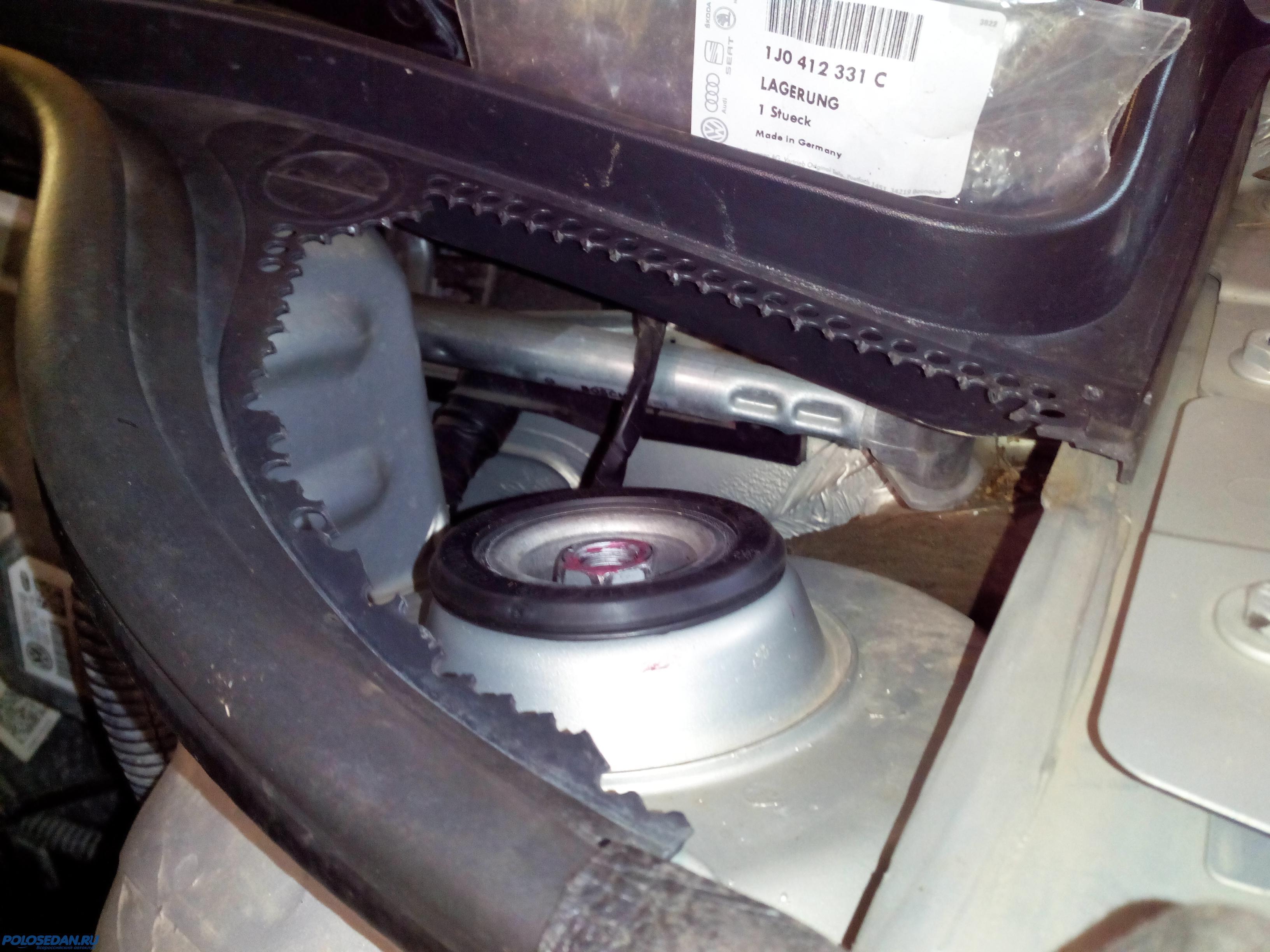 Опоры передних стоек VW Polo sedan (замена,ремонт).