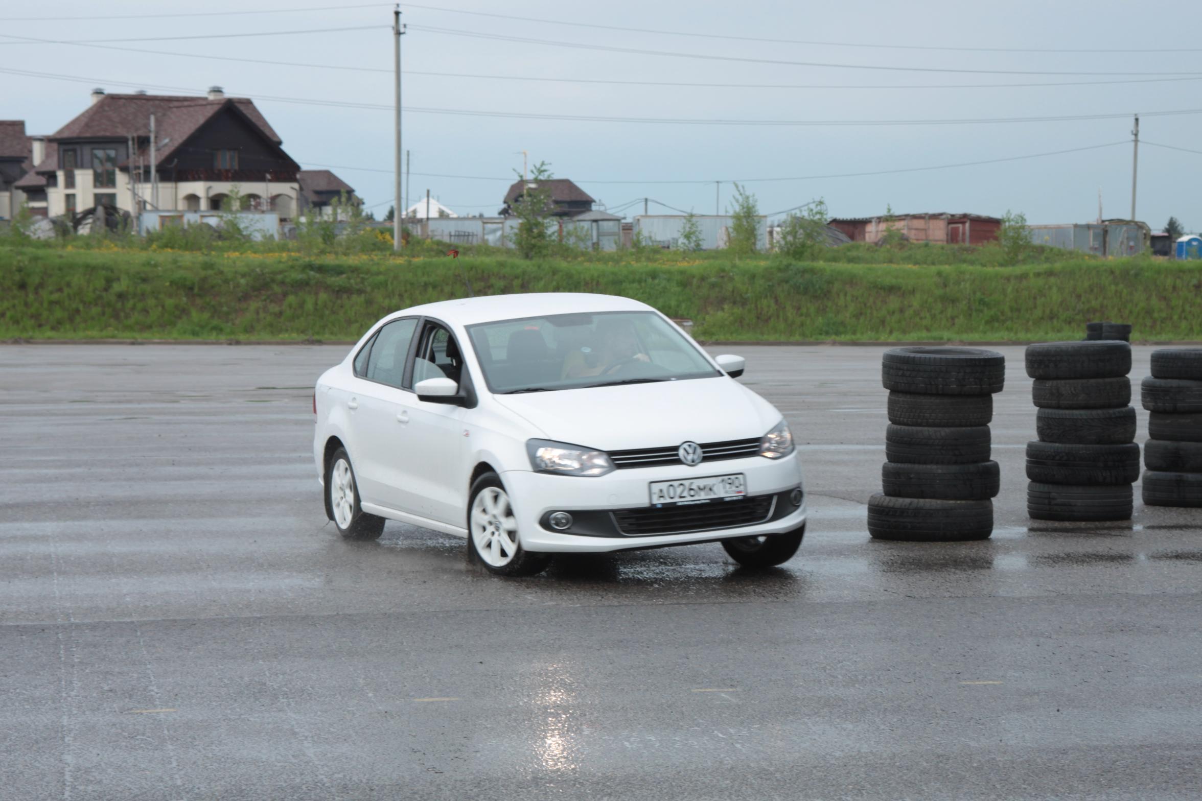 Мы и Они. VW Polo SD и его конкуренты. Видео подвигов!
